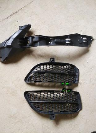 Крепление бампера заглушка форсунка омывателя решетка VW Touareg