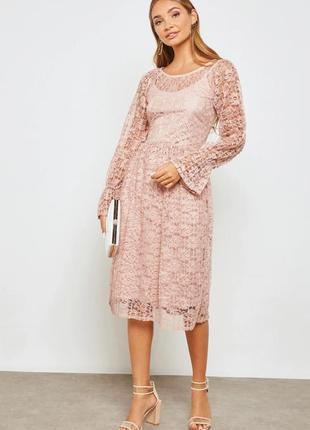 Очень красивое кружевное платье плиссе бренда vila