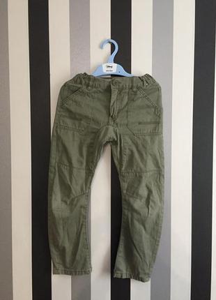 Классные брюки цвета хаки
