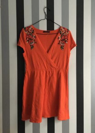 Трикотажное платье с вышивкой zara