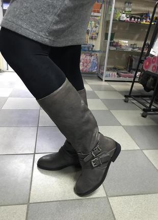 Шикарные кожаные сапоги италия