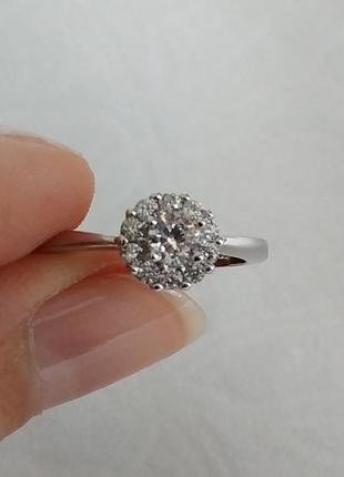 Кольцо с камнем серебро 925 пробы. с 11 шт. камней. есть проба