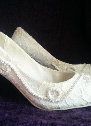 Туфли белые свадебные/выпускные