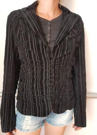 Пиджак с бархатными полосками