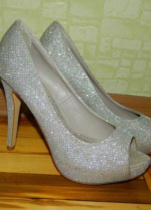 Туфли женские лабутены блестящие под золото с открытыми носочк...