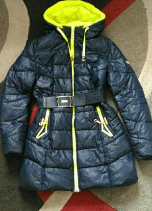 Очень теплая куртка (пуховик) 50 размер