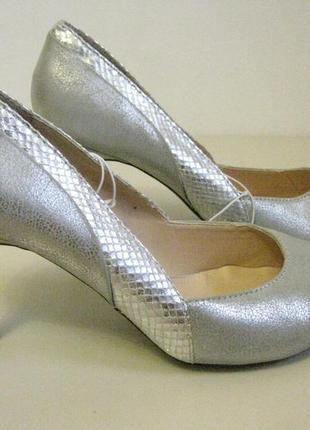Туфли  серебристые германия новые , размеры 38 , 40 + 1500 поз...