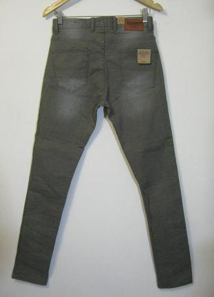 Демисезонные зауженные джинсы pull & bear новые арт.660