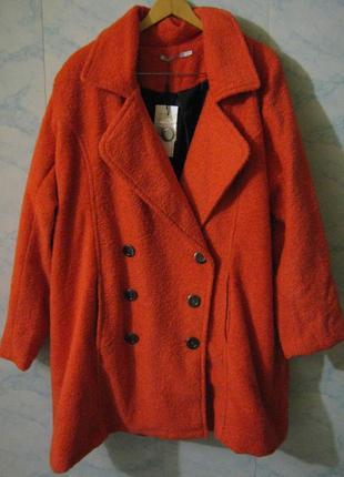 Пальто studio новое + 1500 позиций магазинной одежды