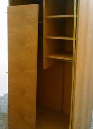 Шафа для одягу в дитячу кімнату