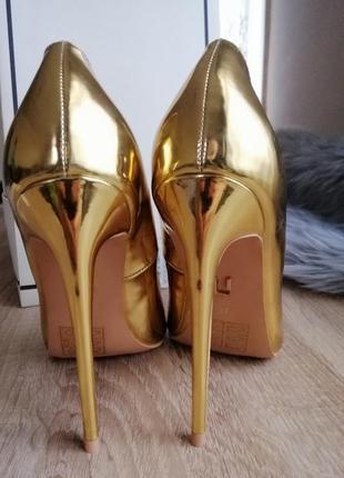 Новые туфли лодочки на шпильке lost ink золотые