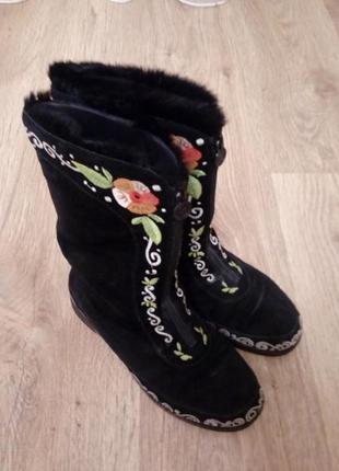 Замшевые сапоги сапожки ботинки с вышивкой на цегейке