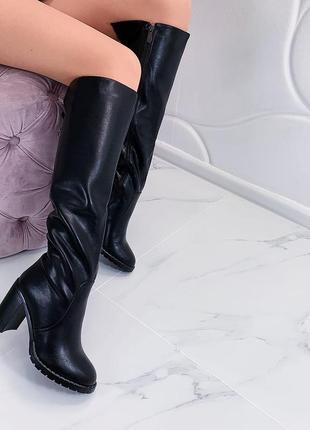 Зимние сапоги на каблуке, тёплые сапоги чёрного цвета