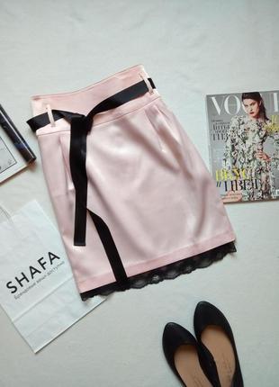 Нежная атласная юбка с поясом и кружевом oodji