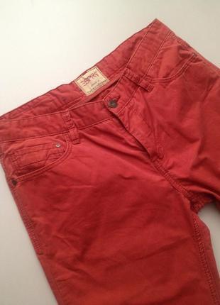 Оригинальные брендовые джинсы.385