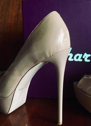 Туфли на высоком каблуке sharman