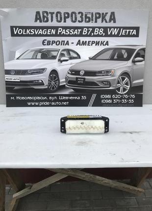 Подушка пасажира (airbeg) Volkswagen Passat B7 USA 561 880 204A