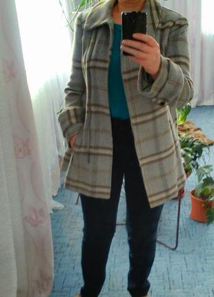 Пальто коротке