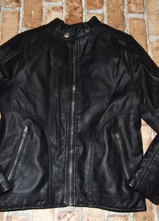 Утепленная кожаная куртка мальчику 9 лет Zara