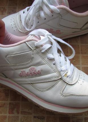 Кроссовки для девушки ellesse