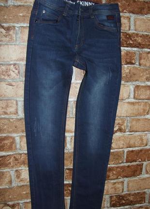 джинсы мальчику узкачи 10 лет