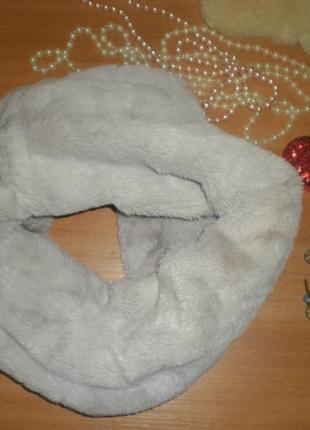 Шикарнейший меховий шарф-снуд-хомут-капюшон.