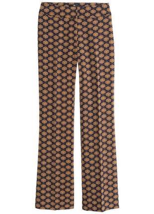 Эффектные расклешенные широкие брюки клеш из струящейся ткани h&m