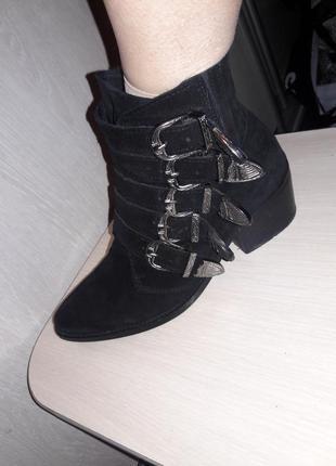 Классные ботинки pavement.