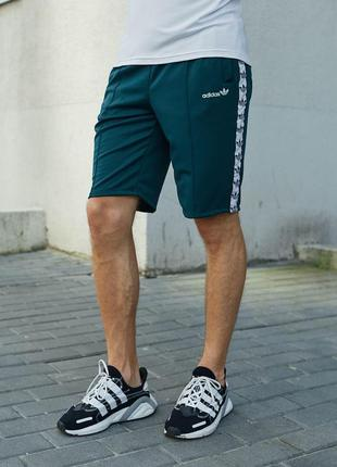 Скидка мужские спортивные трикотажные шорты с лампасами adidas