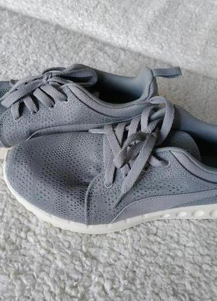 Легкие дышащие кроссовки puma