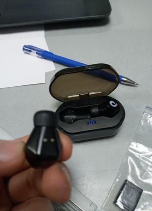 Наушники и Bluetooth-гарнитуры Б/У TWS F8