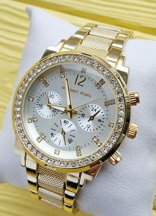 Женские наручные часы с рифленым браслетом, золото, серебристы...