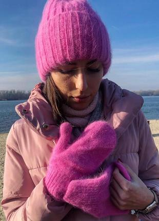 Теплый зимний пушистый набор шапка и варежки ангора новый