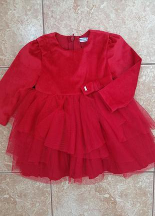 Стильное красивое платье нарядное модное платьице