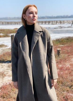 Стильное кашемировое  пальто оверсай хакки