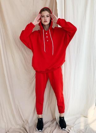 Красный костюм деми с удлиненным худи