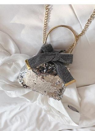 Красивая мини сумочка серебро без цепочки пайетки паетки и бан...