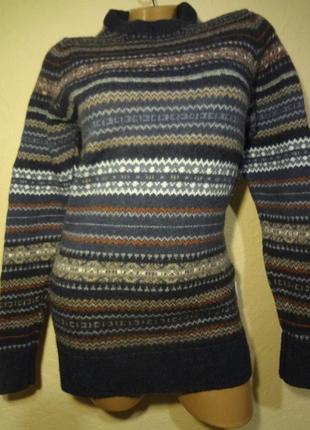 Теплый шерстяной свитер размер s