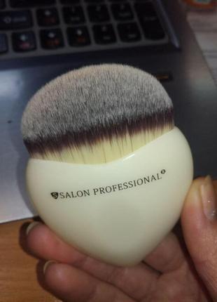 Кисть для макияжа кисточка