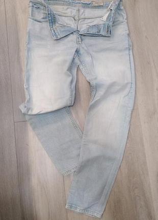 Продам джинсы Jack & Jones.