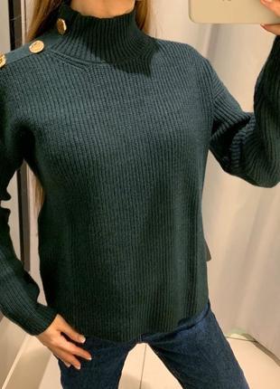 Плотный изумрудный свитер reserved есть размеры