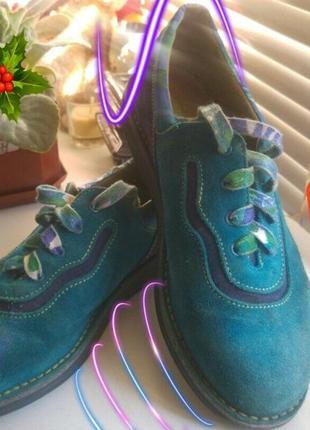 Оригинальные кожаные туфли
