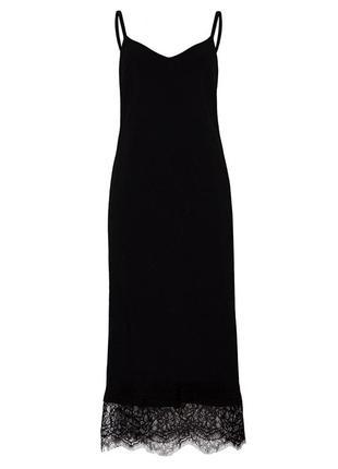 Изысканное черное бархатное платье в бельевом стиле с кружевом...
