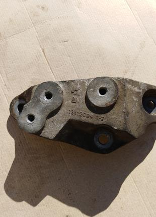Кронштейн КПП 1.9cdti Opel Vectra Signum 13112024