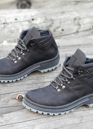 Мужские зимние кожаные ботинки черные