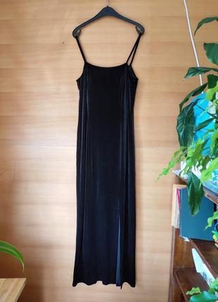 Чёрное вечернее платье расшитое стеклярусом / с разрезом Франция
