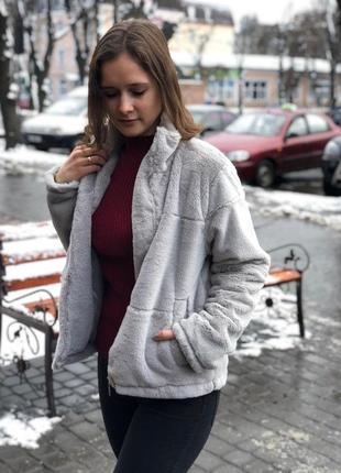 Искусственная короткая шуба / пальто серого оттенка