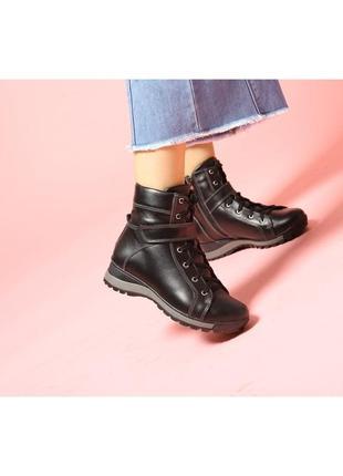 Повседневные зимние женские кожаные кэжуал ботинки на шнурках ...