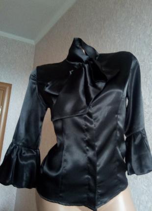 Блуза женская шелковая.
