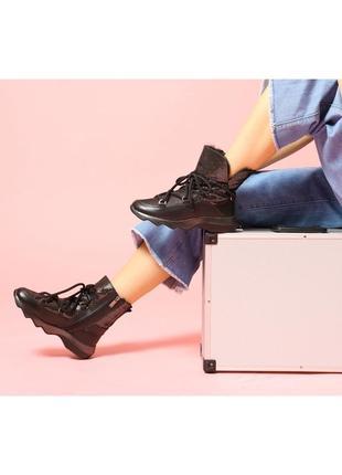 Стильные зимние женские кожаные блестящие ботинки на шнурках и...